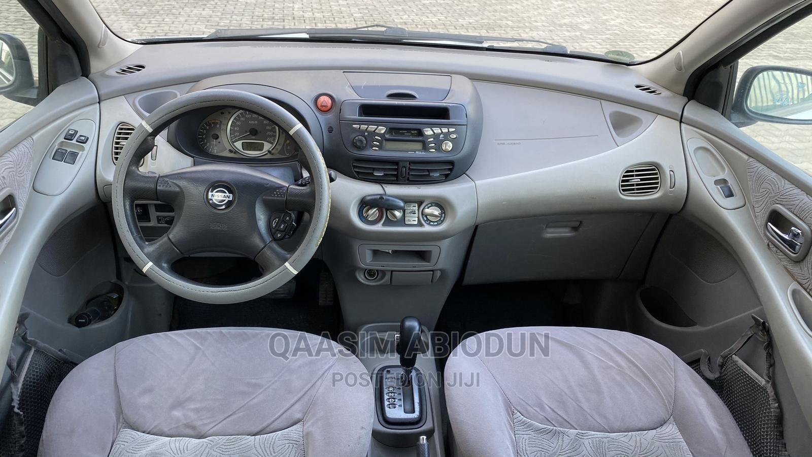 Nissan Almera 2000 1.8 Automatic Silver