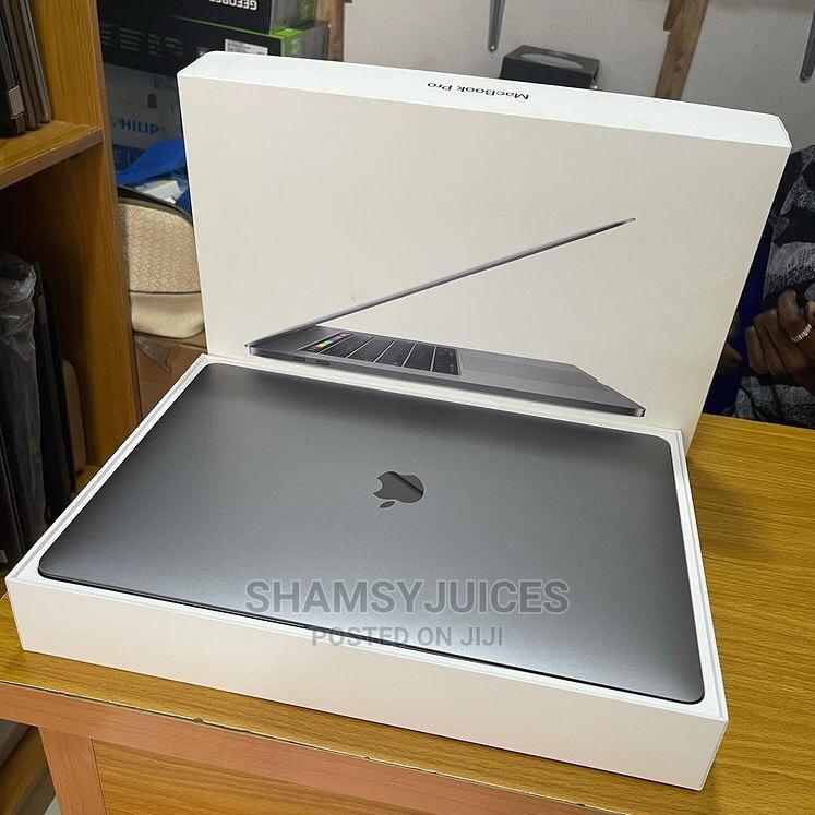 Laptop Apple MacBook Pro 2018 32GB Intel Core I9 SSD 2T