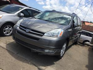 Toyota Sienna 2005 XLE AWD Gray   Cars for sale in Lagos State, Amuwo-Odofin