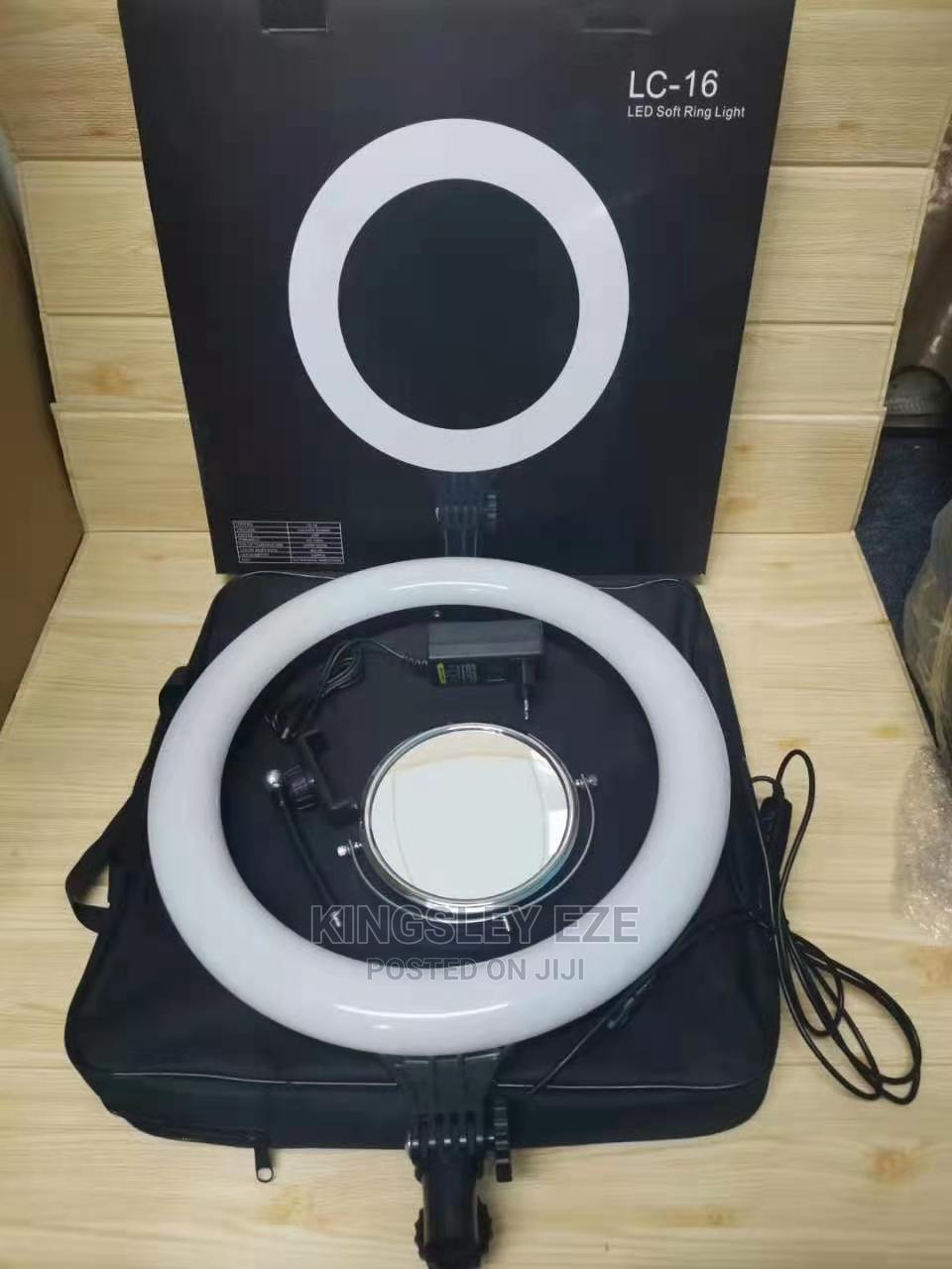 Archive: 16 Inches Non Rechargeable Ringlight New Model