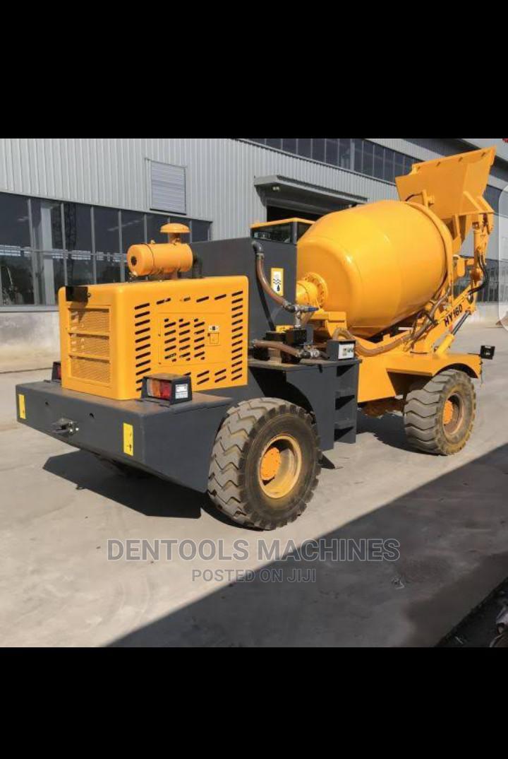 Mobile Driven Concrete Mixer New