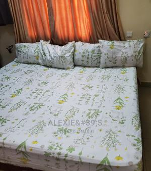 White Multicolour Floral Bedsheet With 4 Pillow Covers | Home Accessories for sale in Abuja (FCT) State, Kubwa
