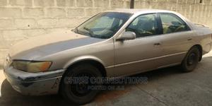 Toyota Camry 1999 Automatic Gold | Cars for sale in Lagos State, Isolo