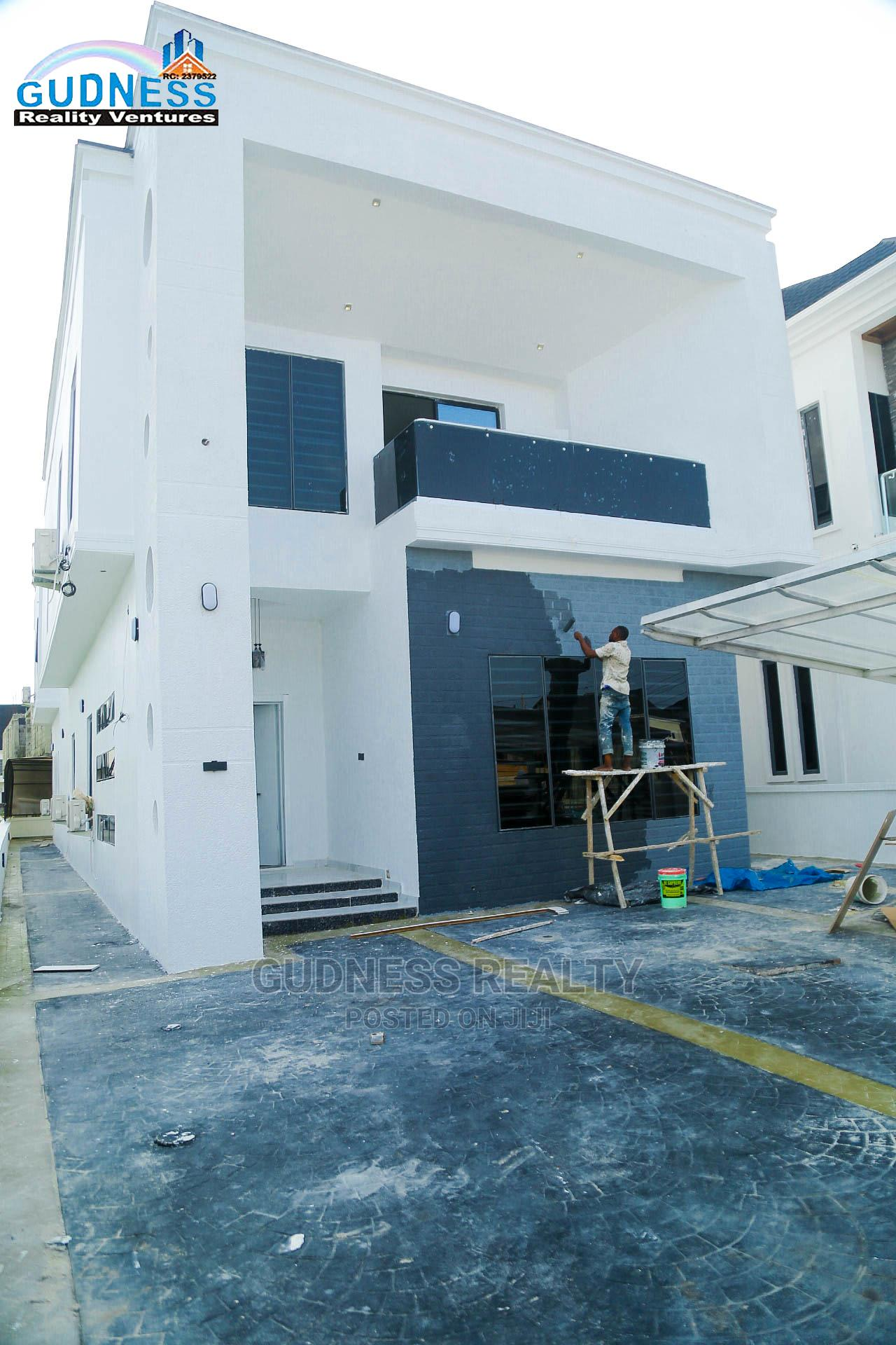 5 Bedroom Luxurious and Automated Detached Duplex With Pool