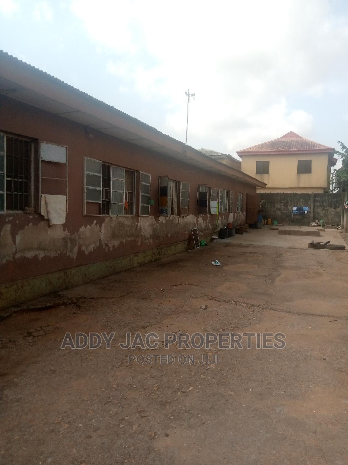 10bdrm Bungalow in Alimosho for Sale