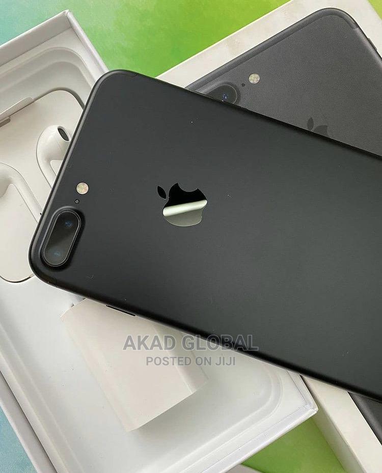 New Apple iPhone 7 Plus 32 GB Black