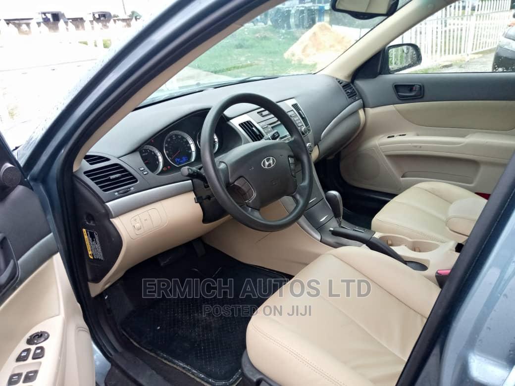 Archive: Hyundai Sonata 2010 Green