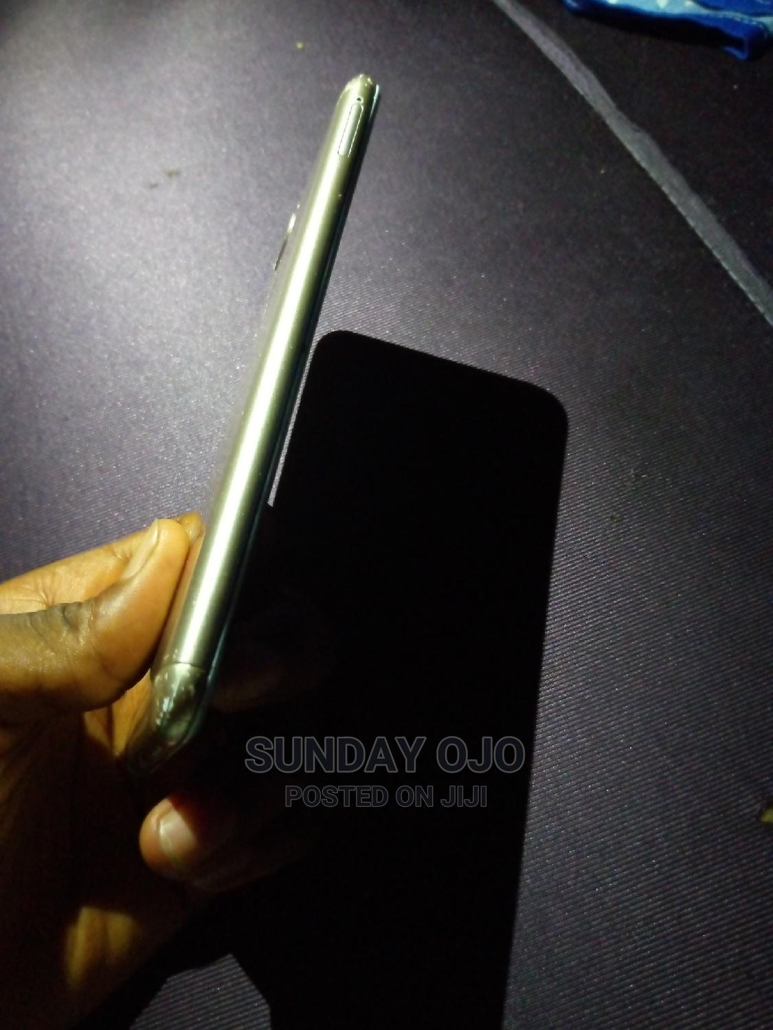 Archive: Gionee S10 64 GB Gold
