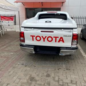 Toyota Hilux 2014 SR 4x4 White | Cars for sale in Lagos State, Isolo