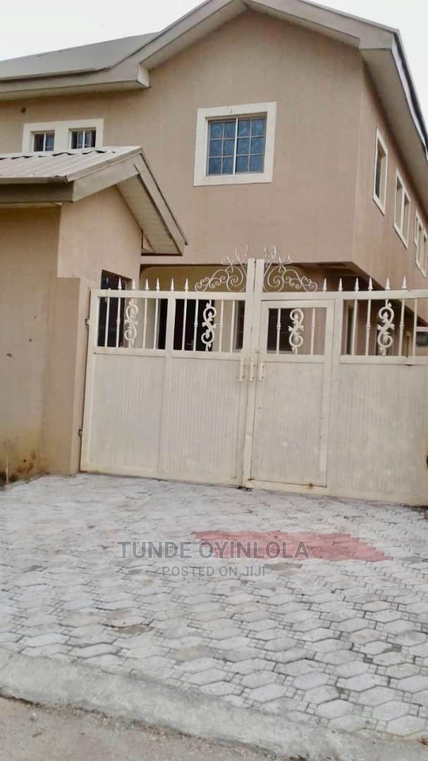 5 Bedroom Semi-Detached Duplex