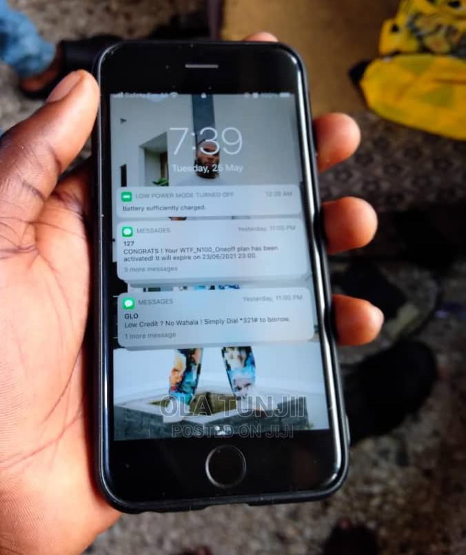 Archive: Apple iPhone 6s 16 GB Silver