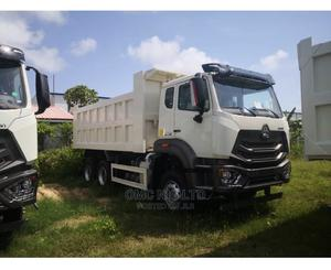 Hohan Sinotruck for Sale   Trucks & Trailers for sale in Lagos State, Ikoyi