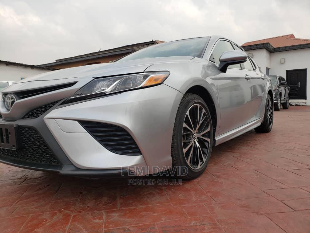 Toyota Camry 2018 SE FWD (2.5L 4cyl 8AM) Silver   Cars for sale in Magodo, Lagos State, Nigeria