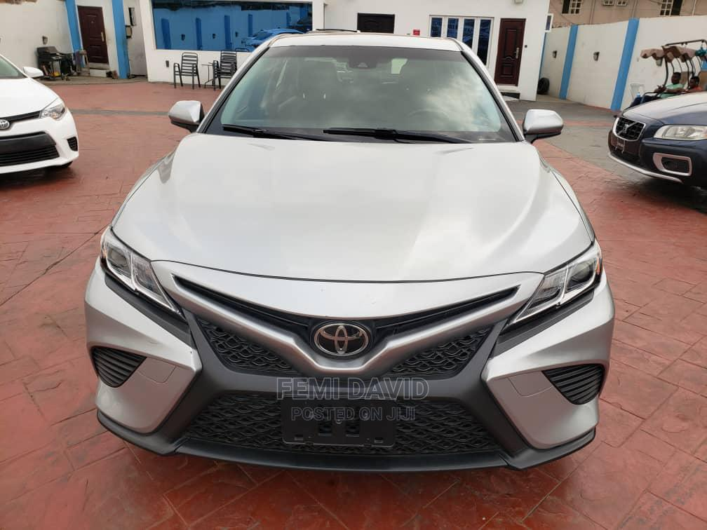 Toyota Camry 2018 SE FWD (2.5L 4cyl 8AM) Silver