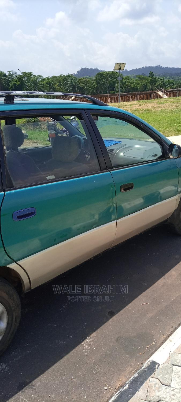 Archive: Toyota Picnic 2003 Green