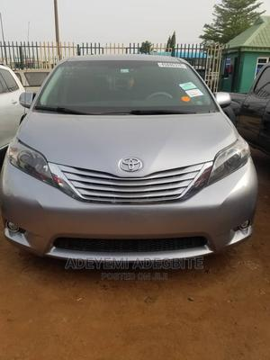 Toyota Sienna 2010 XLE 7 Passenger Silver   Cars for sale in Lagos State, Alimosho