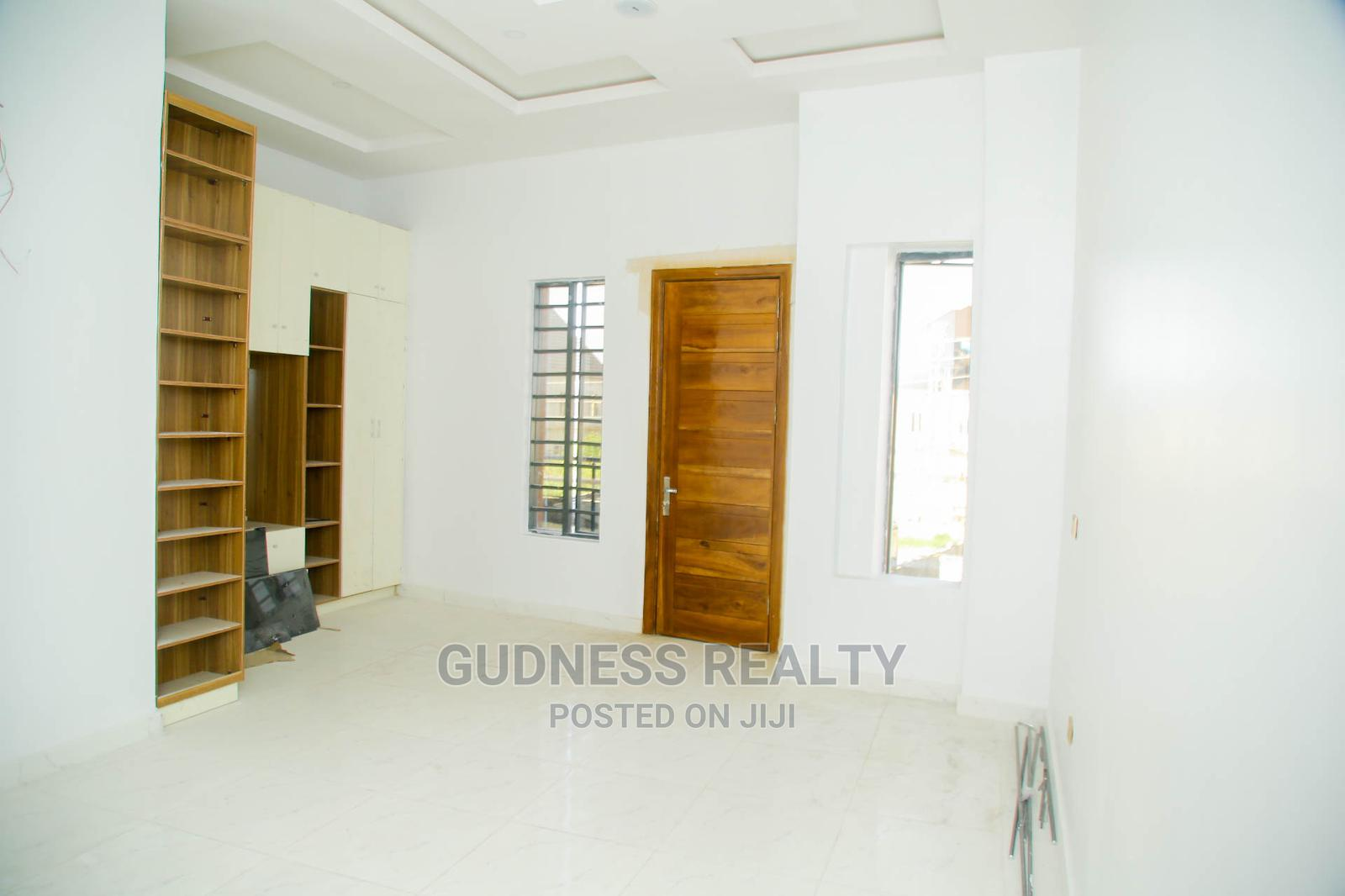 5 Bedroom Fully Detached-duplex With BQ | Houses & Apartments For Sale for sale in Chevron, Lekki, Nigeria