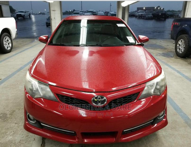 Toyota Camry 2014 Red