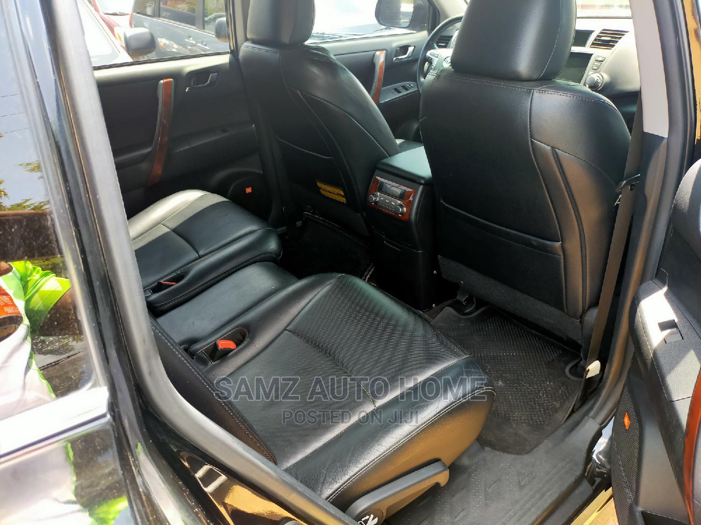Archive: Toyota Highlander 2012 Limited Black