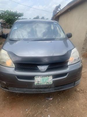 Toyota Sienna 2005 CE Gray   Cars for sale in Ogun State, Remo North