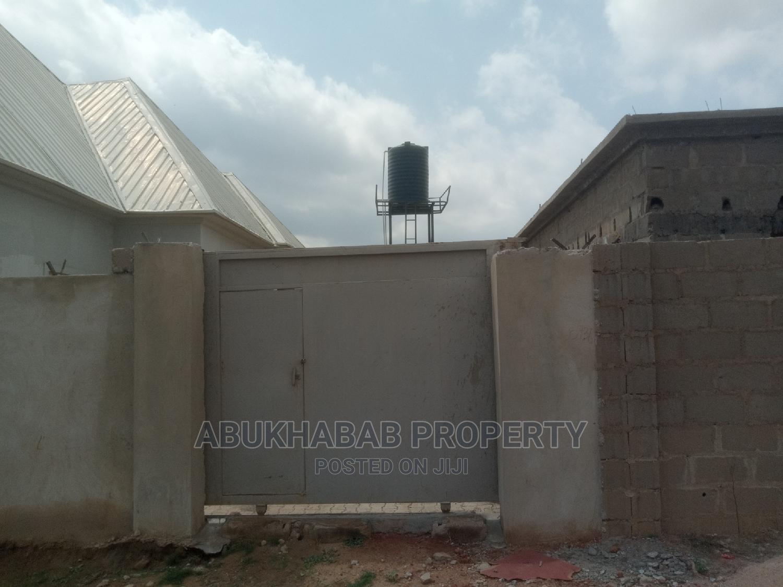 4bdrm Bungalow in Kaduna / Kaduna State for Sale   Houses & Apartments For Sale for sale in Kaduna / Kaduna State, Kaduna State, Nigeria
