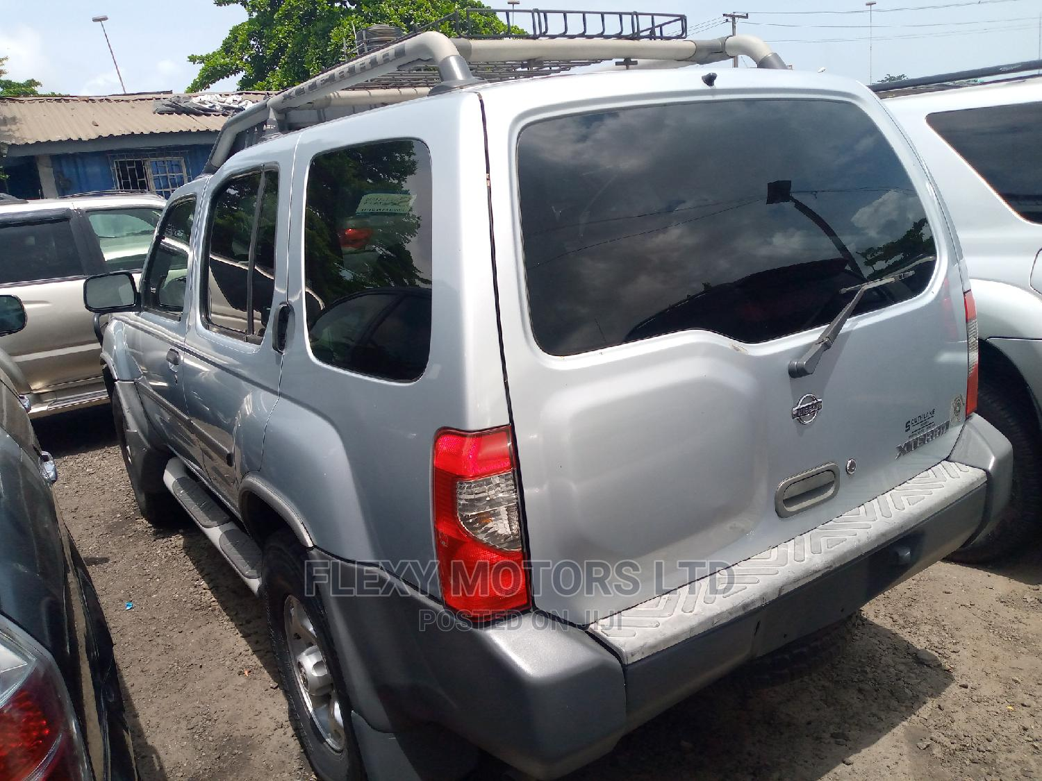 Nissan Xterra 2001 Automatic Silver | Cars for sale in Apapa, Lagos State, Nigeria