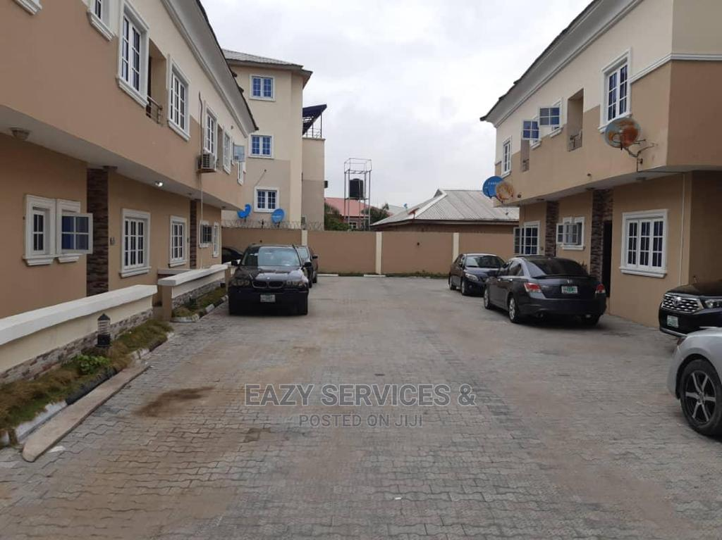 4bdrm Duplex in Beacon Court, Lekki Phase 2 for Sale