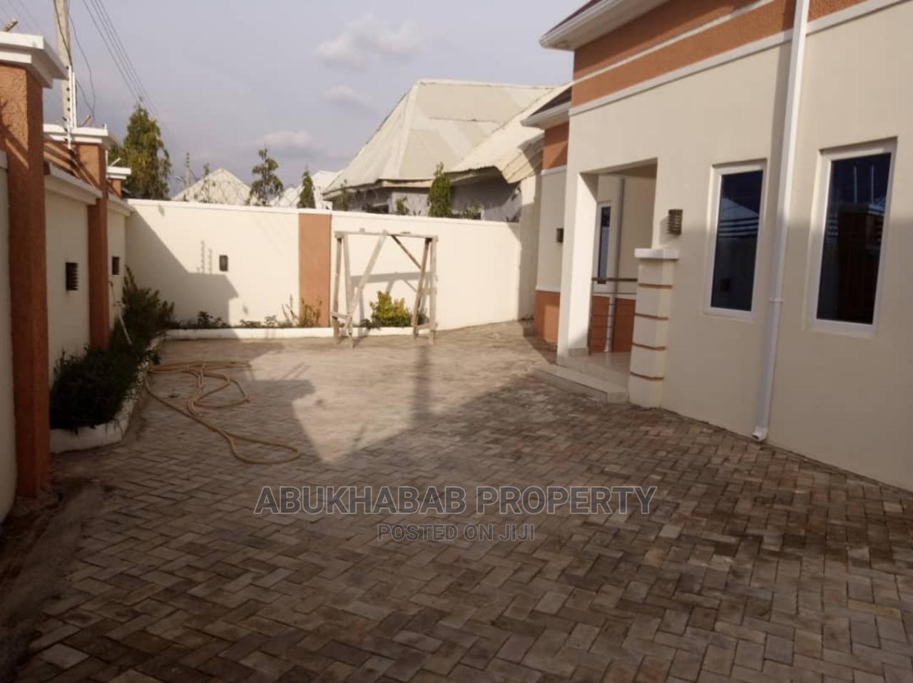 Furnished 3bdrm Bungalow in Mhp, Kaduna / Kaduna State for Sale