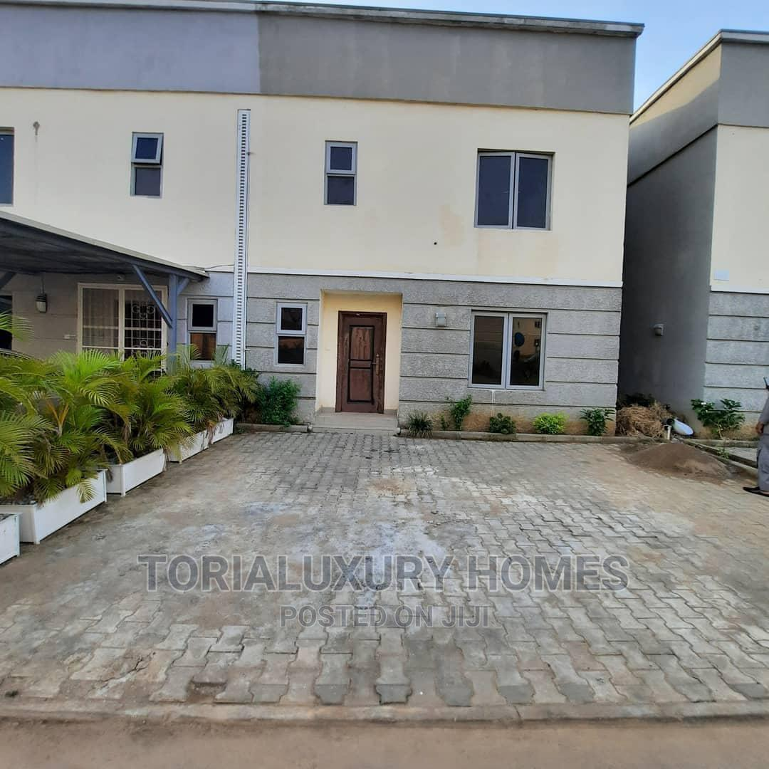4bdrm Duplex in Brains and Hammer, Life Camp for Sale