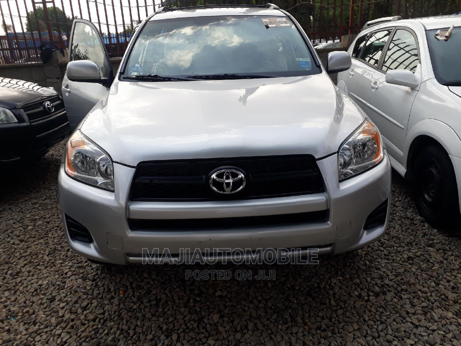 Archive: Toyota RAV4 2010 3.5 Limited 4x4 Silver