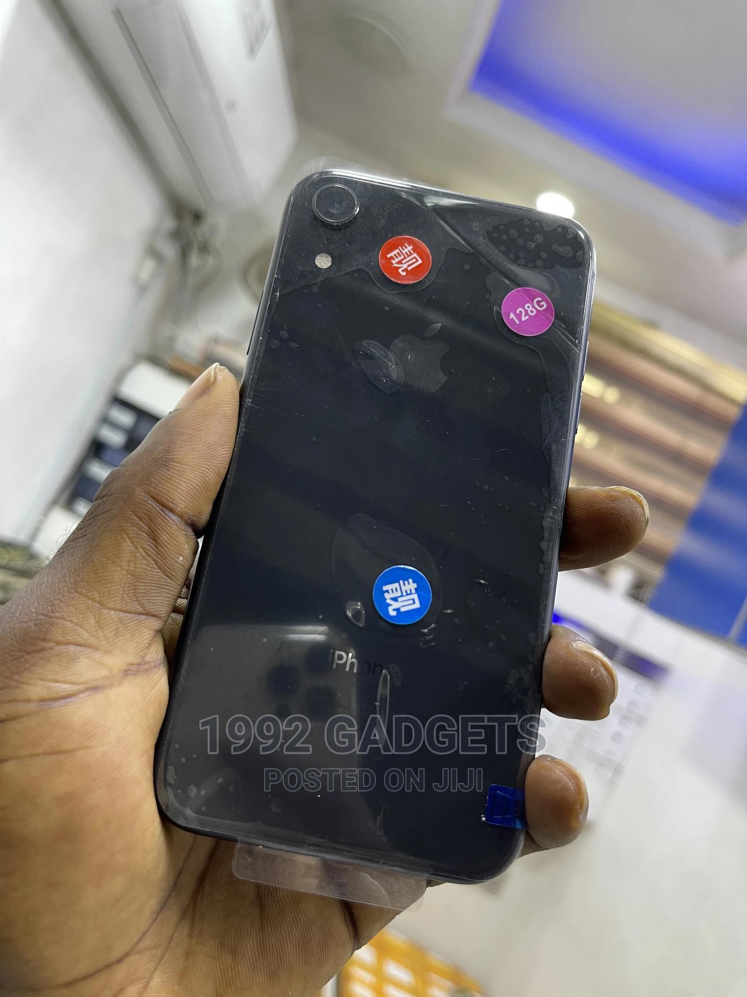 Apple iPhone XR 128 GB Black   Mobile Phones for sale in Ikeja, Lagos State, Nigeria