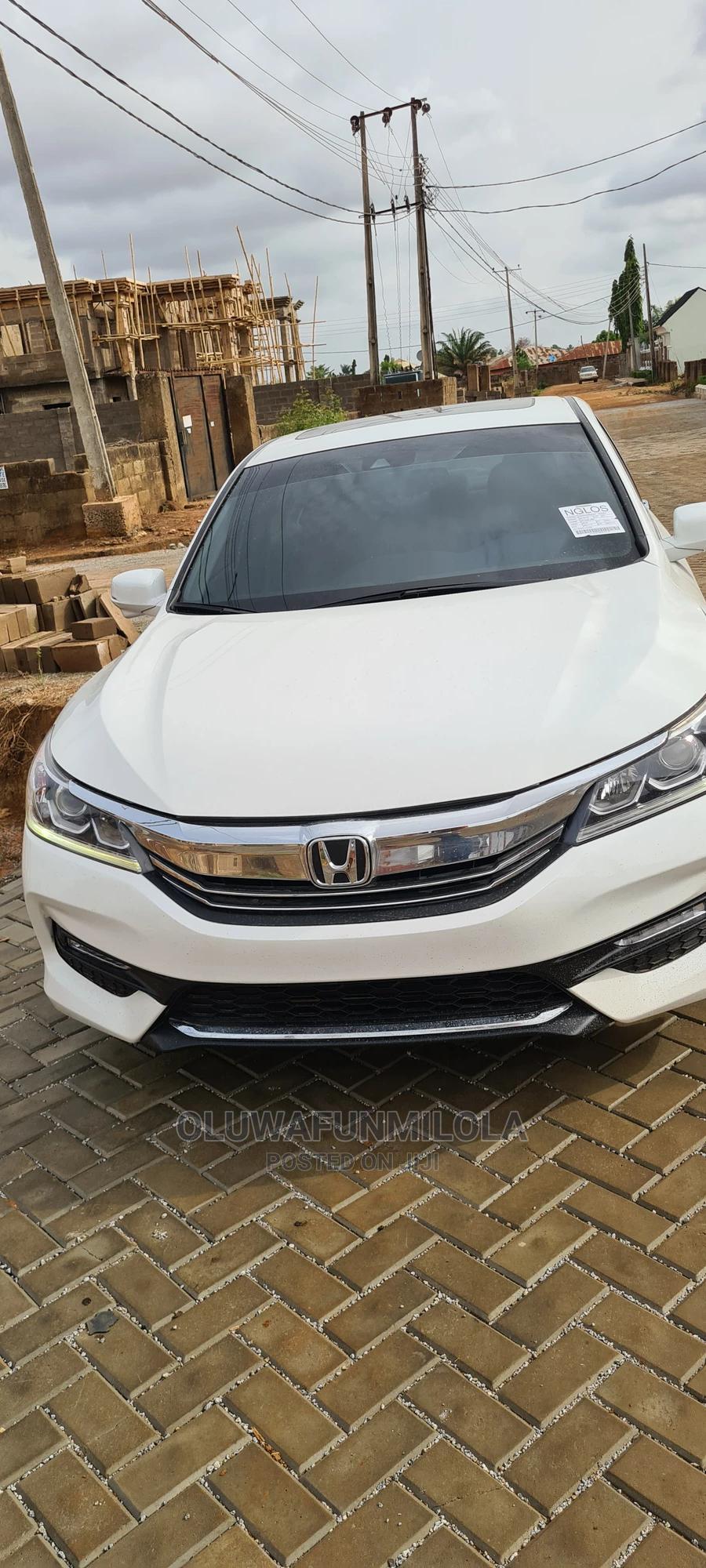 Archive: Honda Accord 2014 White