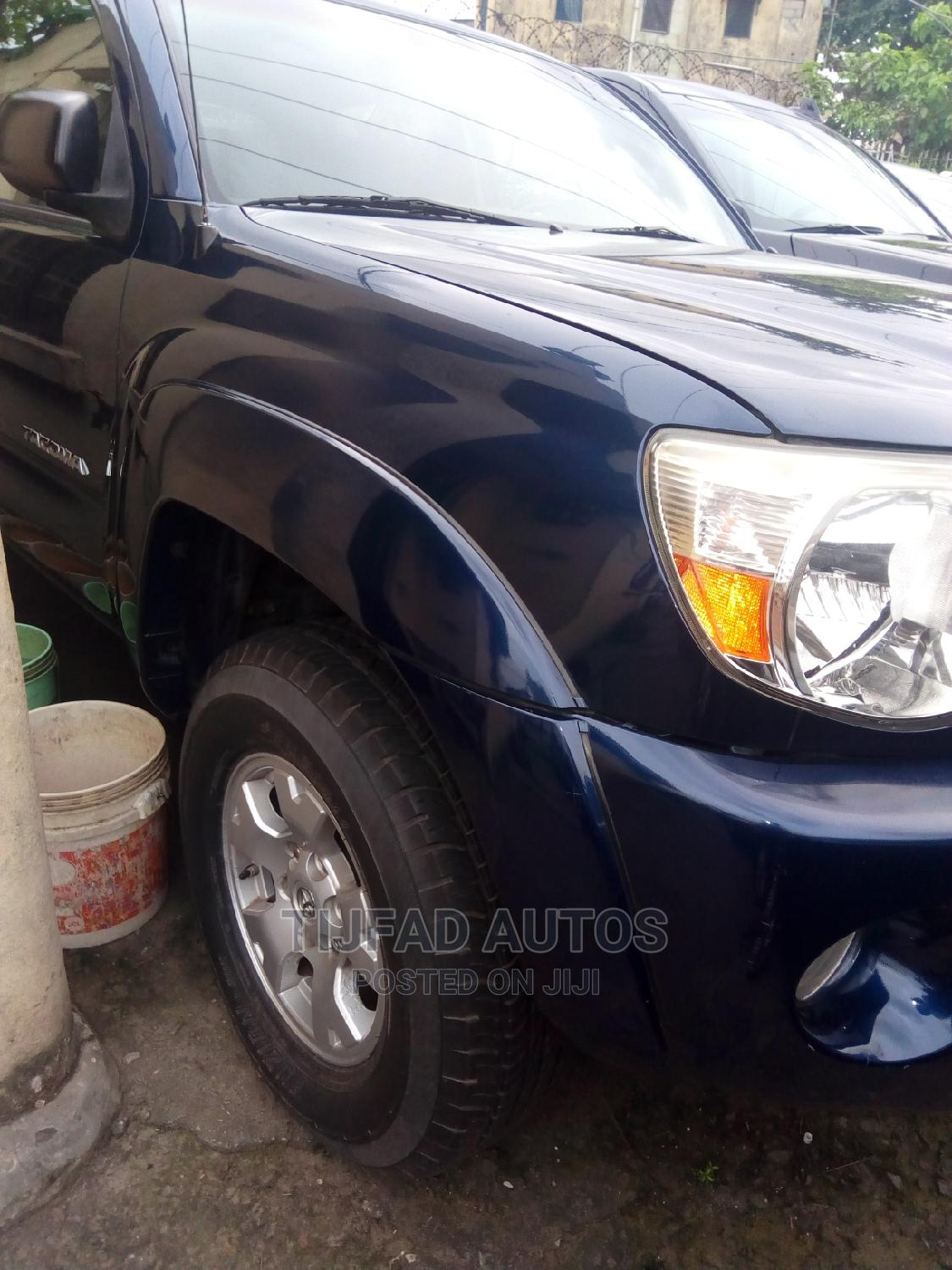 Toyota Tacoma 2006 PreRunner Access Cab Blue | Cars for sale in Surulere, Lagos State, Nigeria