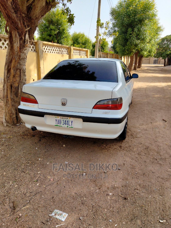 Archive: Peugeot 406 1999 White