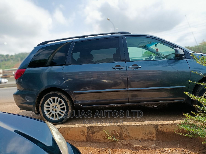 Toyota Sienna 2008 LE AWD Gray | Cars for sale in Gwarinpa, Abuja (FCT) State, Nigeria