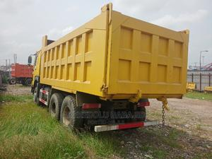 This Howo Truck Is Just Like a New One | Trucks & Trailers for sale in Lagos State, Isolo