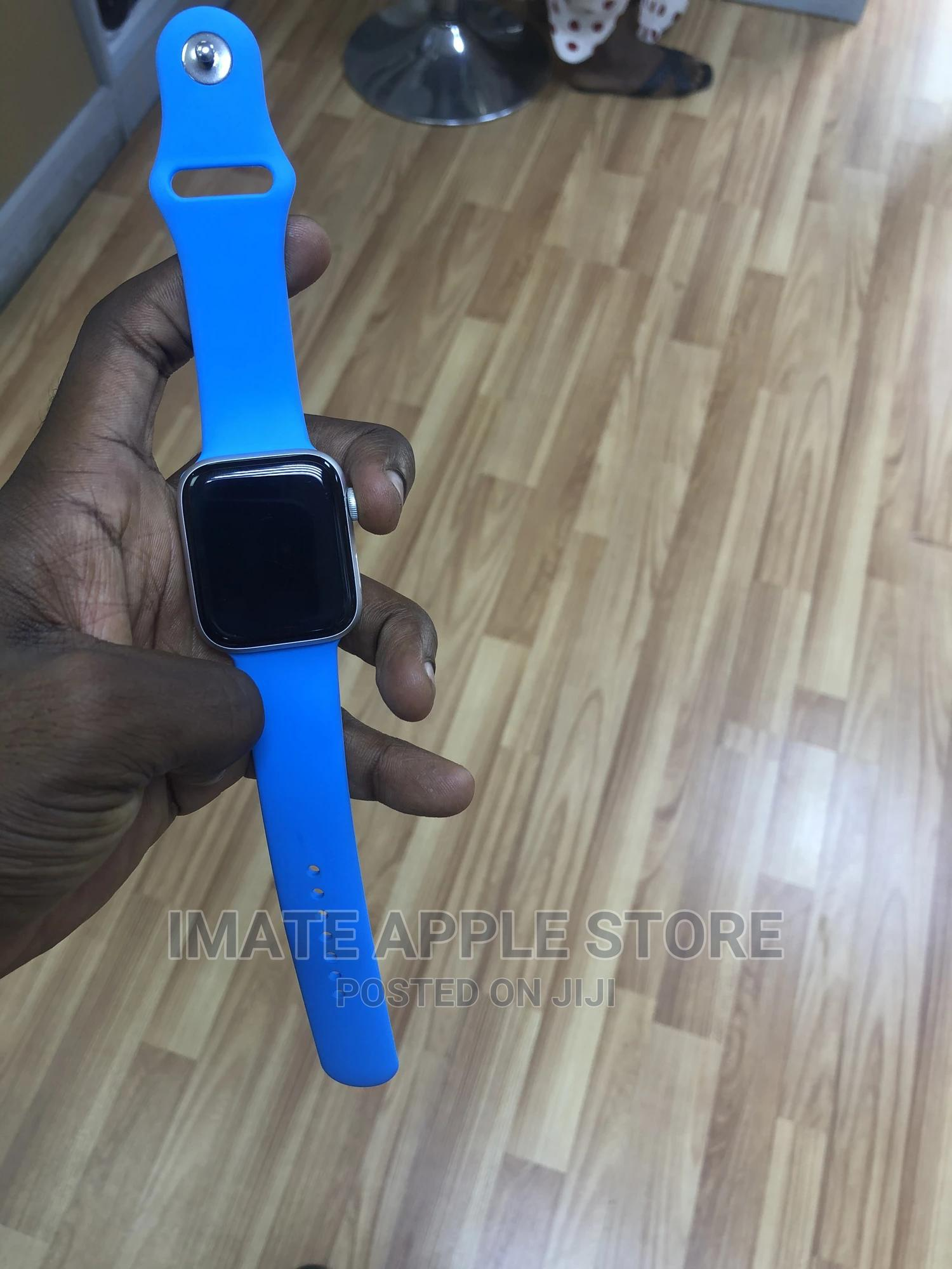 Archive: Iwatch Series 4 44 MM GPS/Cell