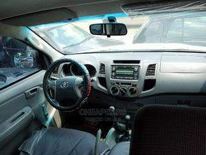 Toyota Hilux 2009 2.0 VVT-i SRX White   Cars for sale in Abuja (FCT) State, Garki 2