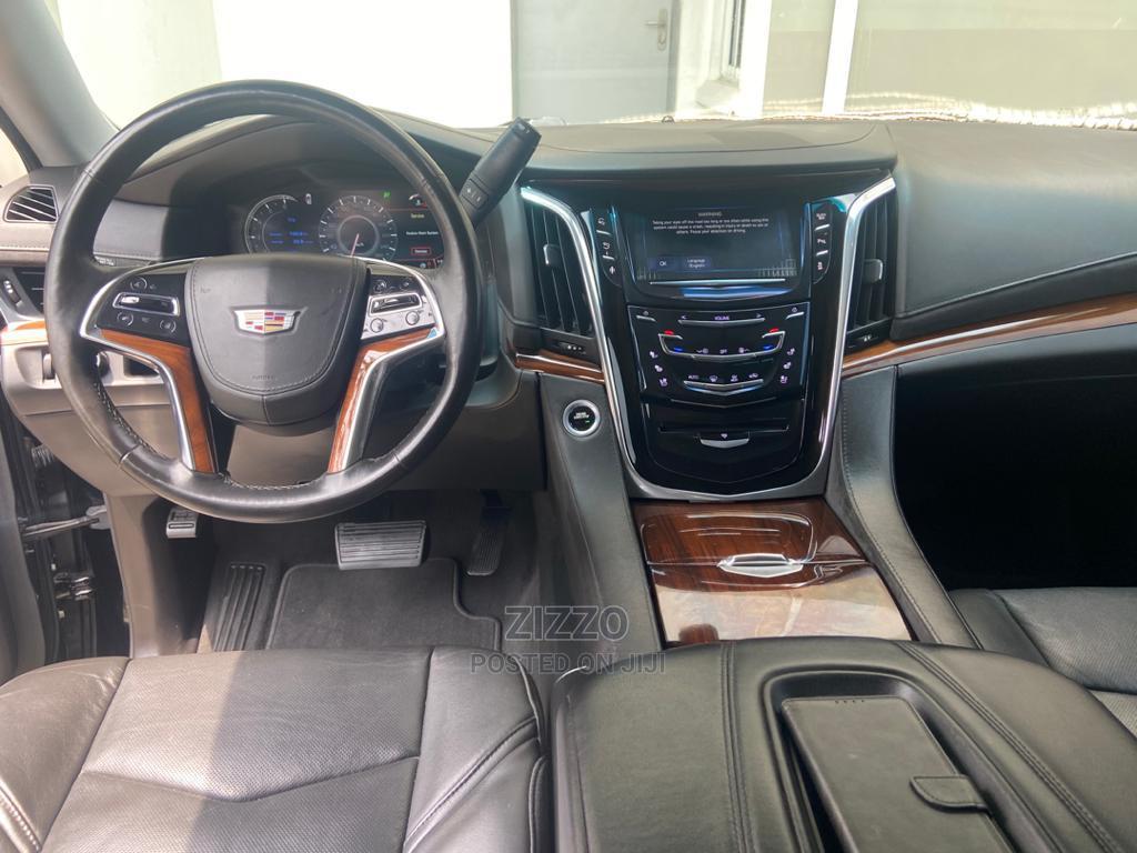 Archive: Cadillac Escalade 2016 Black