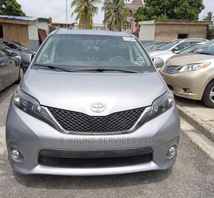 Toyota Sienna 2012 SE 8 Passenger Gray | Cars for sale in Lagos State, Amuwo-Odofin
