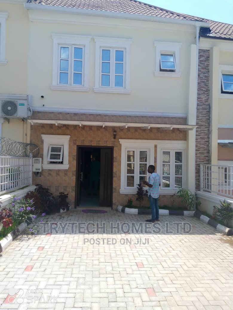 3bdrm Duplex in Naf Vally Estate for Sale