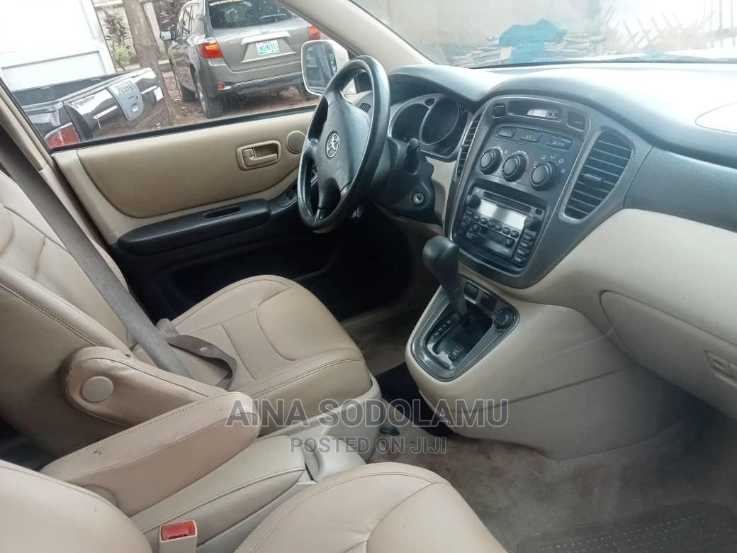 Toyota Highlander 2002 Gold   Cars for sale in Ikeja, Lagos State, Nigeria