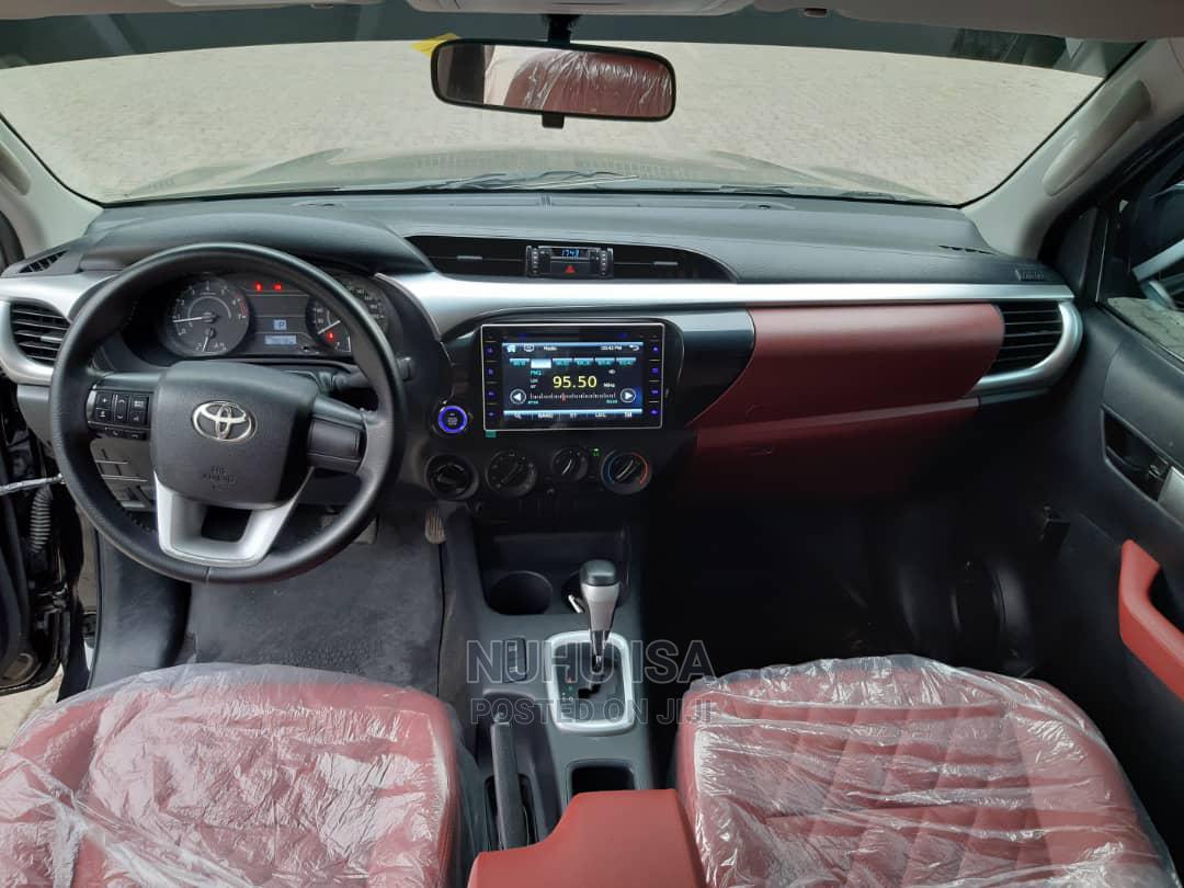 Archive: Toyota Hilux 2021 Black