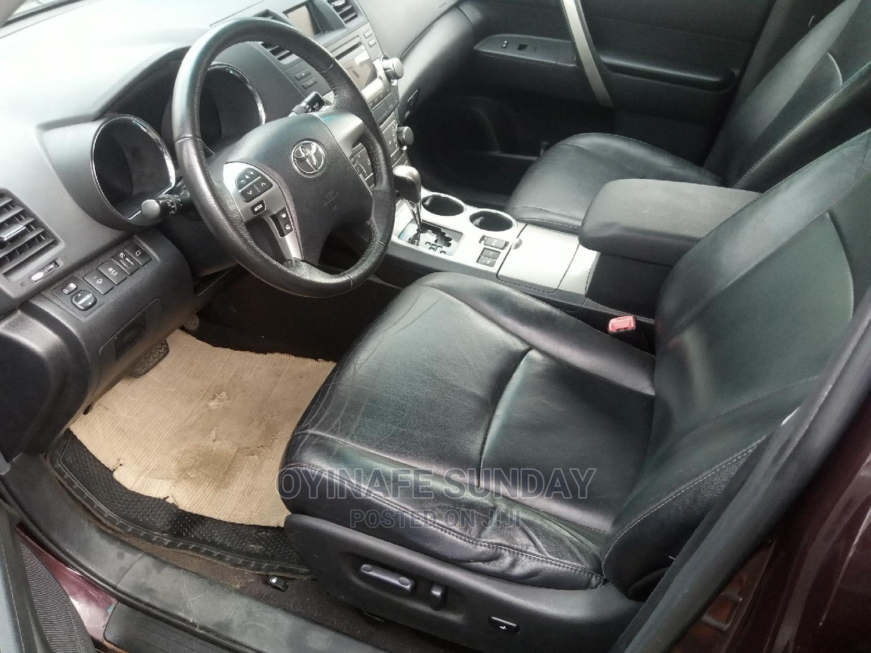 Archive: Toyota Highlander 2013 3.5L 4WD Purple
