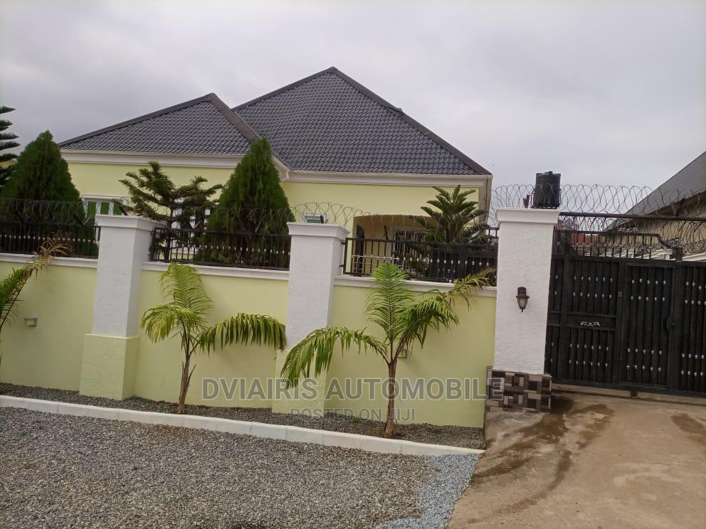 3bdrm Bungalow in Near Trademore, Lugbe District for Sale   Houses & Apartments For Sale for sale in Lugbe District, Abuja (FCT) State, Nigeria