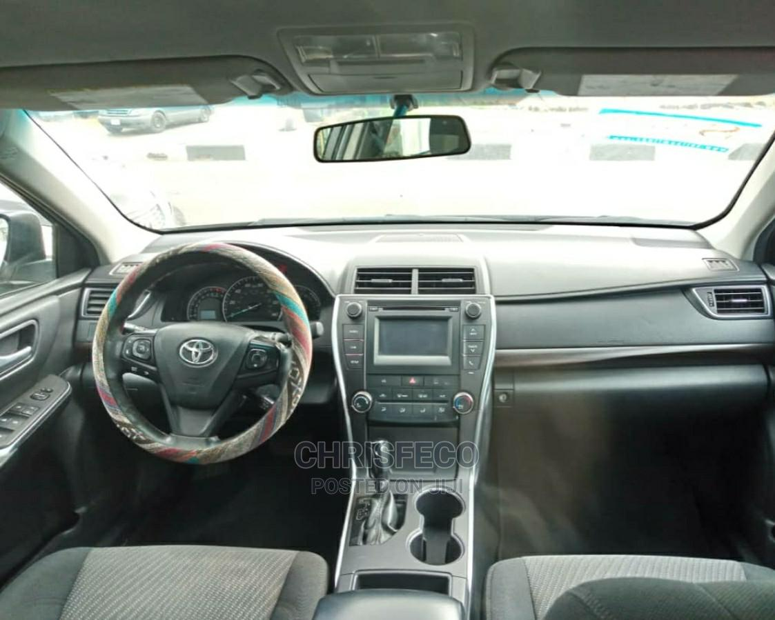 Archive: Toyota Camry 2015 Gold