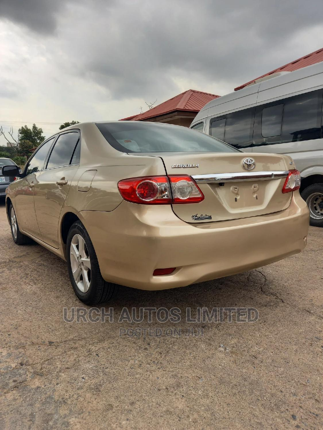 Toyota Corolla 2013 Gold   Cars for sale in Wuse 2, Abuja (FCT) State, Nigeria