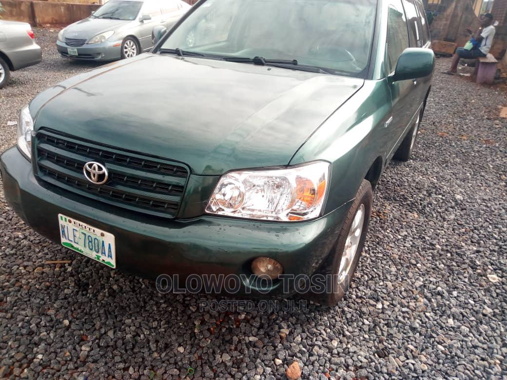 Archive: Toyota Highlander 2003 Green