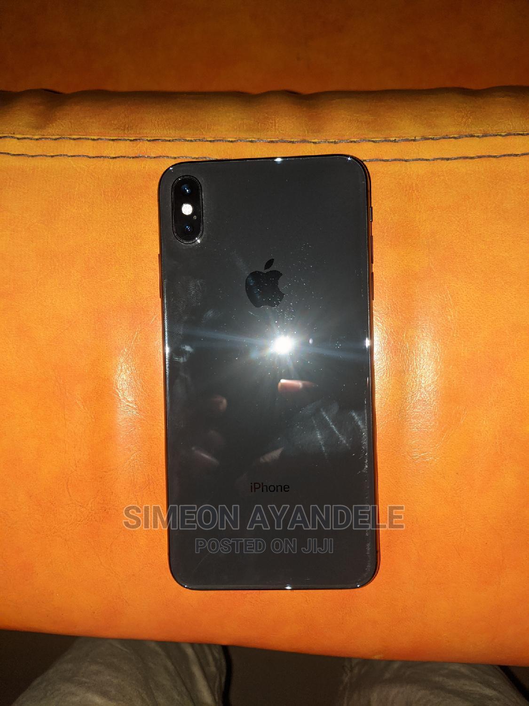 Archive: Apple iPhone XS Max 64 GB Black