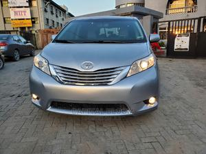 Toyota Sienna 2012 XLE 8 Passenger Blue   Cars for sale in Lagos State, Ajah